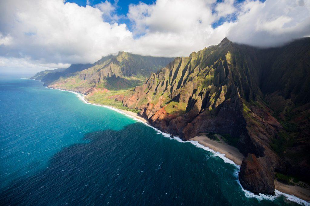 kauai_napali_coast_helicopter1