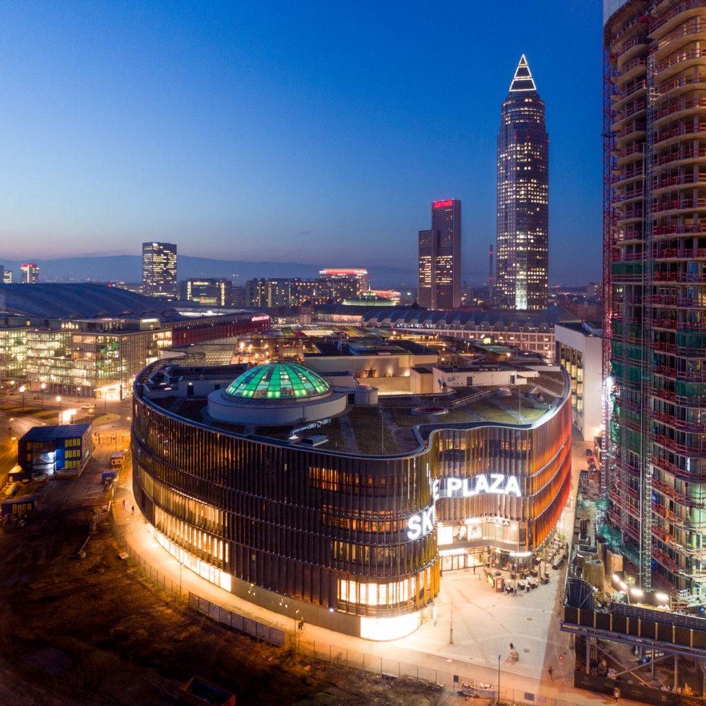 Frankfurt Skyline Plaza Messeturm