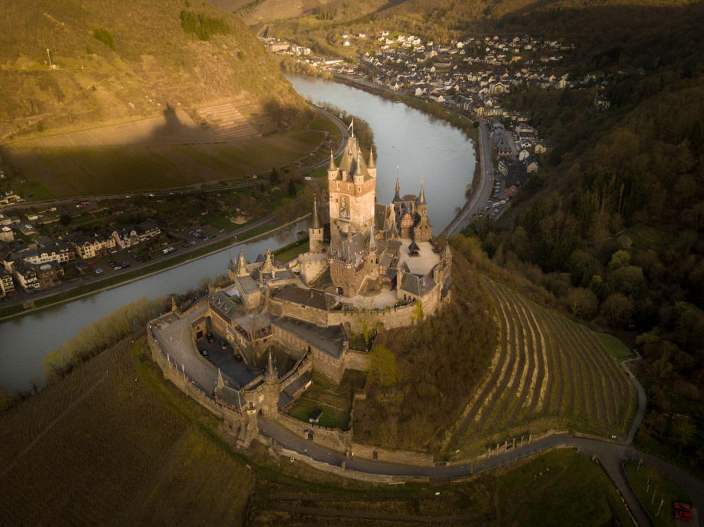 castle_cochem_aerial