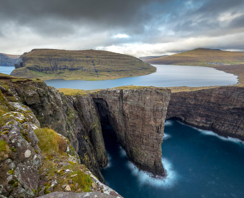 sorgasvatn_faroe_islands