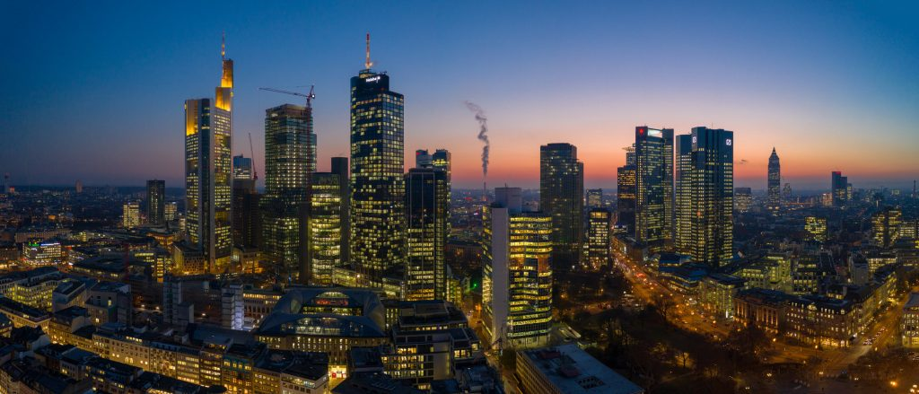frankfurt_skyline_blue_hour